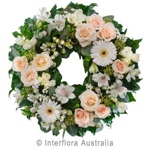 Treasured Moments, Cluster Wreath Suitable for Service